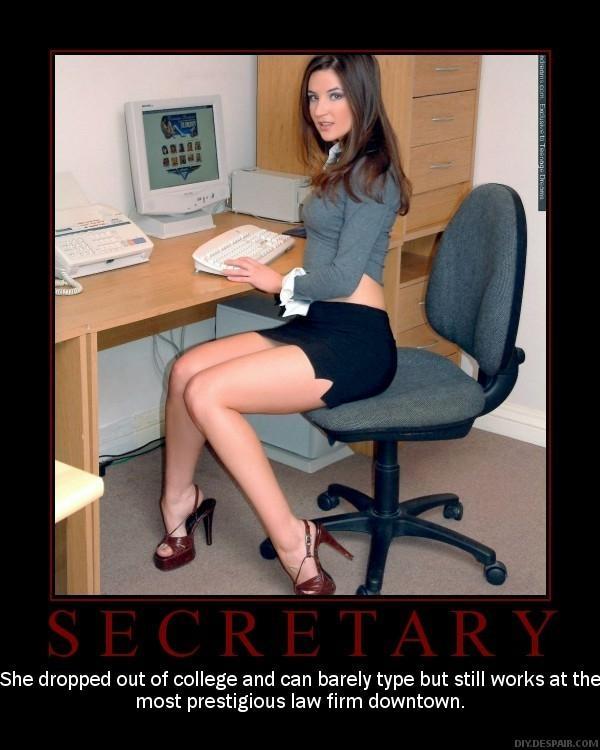 молодая руская в офисе фото